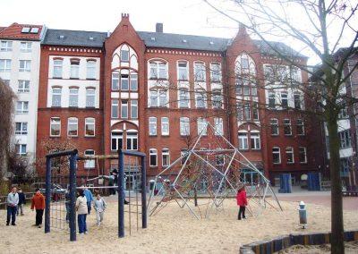 Schule von hinten02
