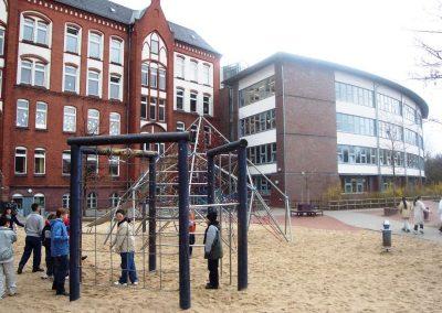 Schule von hinten03